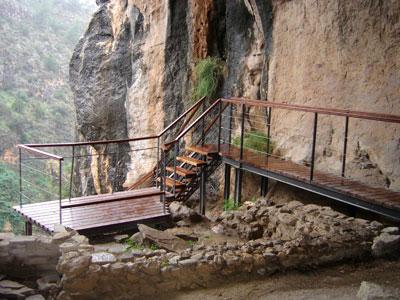 Ruta cueva-sima de la serreta